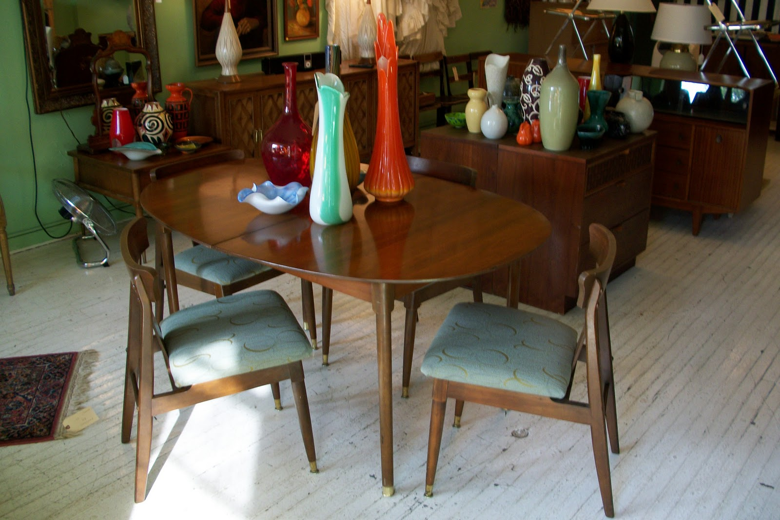 Apartment Sized Mid Century Modern Dining Room Set An Orange Moon