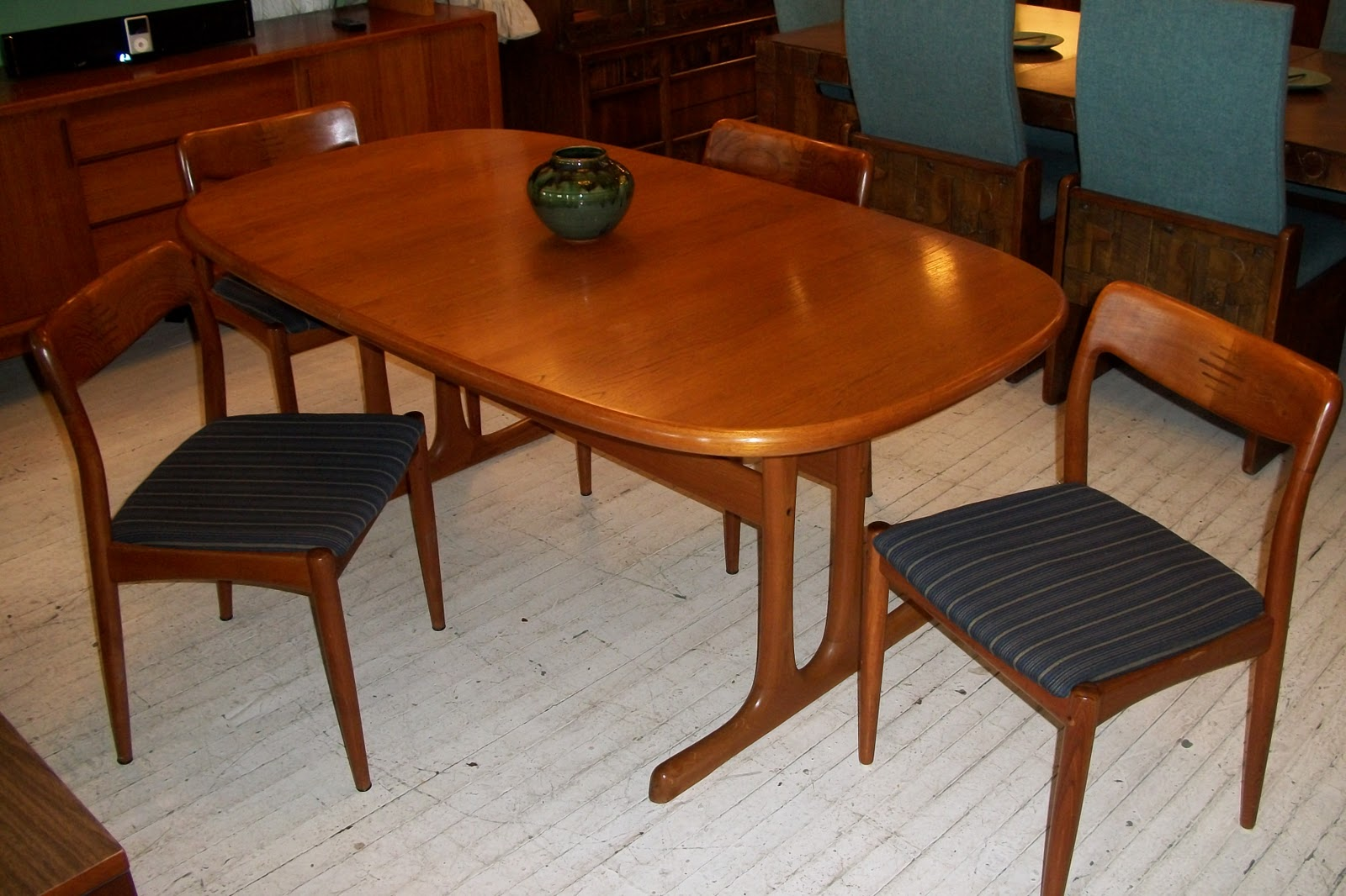 D Scan SOLID Teak Dining Room Table 4 Chairs