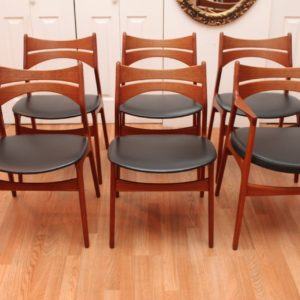 Johannes Aasbjerg Dining Table & 6 Erik Buck Chairs