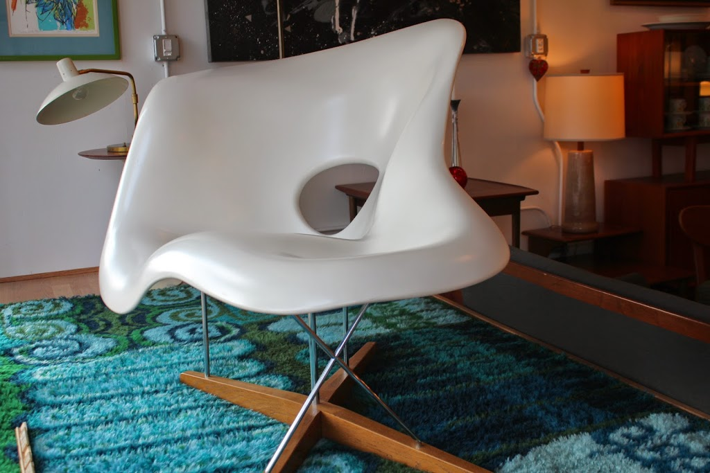 la chaise lounge chair by charles and ray eames an orange moon uber hip vintage furniture. Black Bedroom Furniture Sets. Home Design Ideas