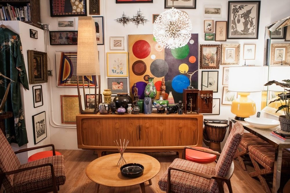 Their Passion And Constant Quest For All Things Vintage Has Led To A  Masterful Collection Of Art Objects And Furniture. One 1200 Square Foot  Room Functions ...