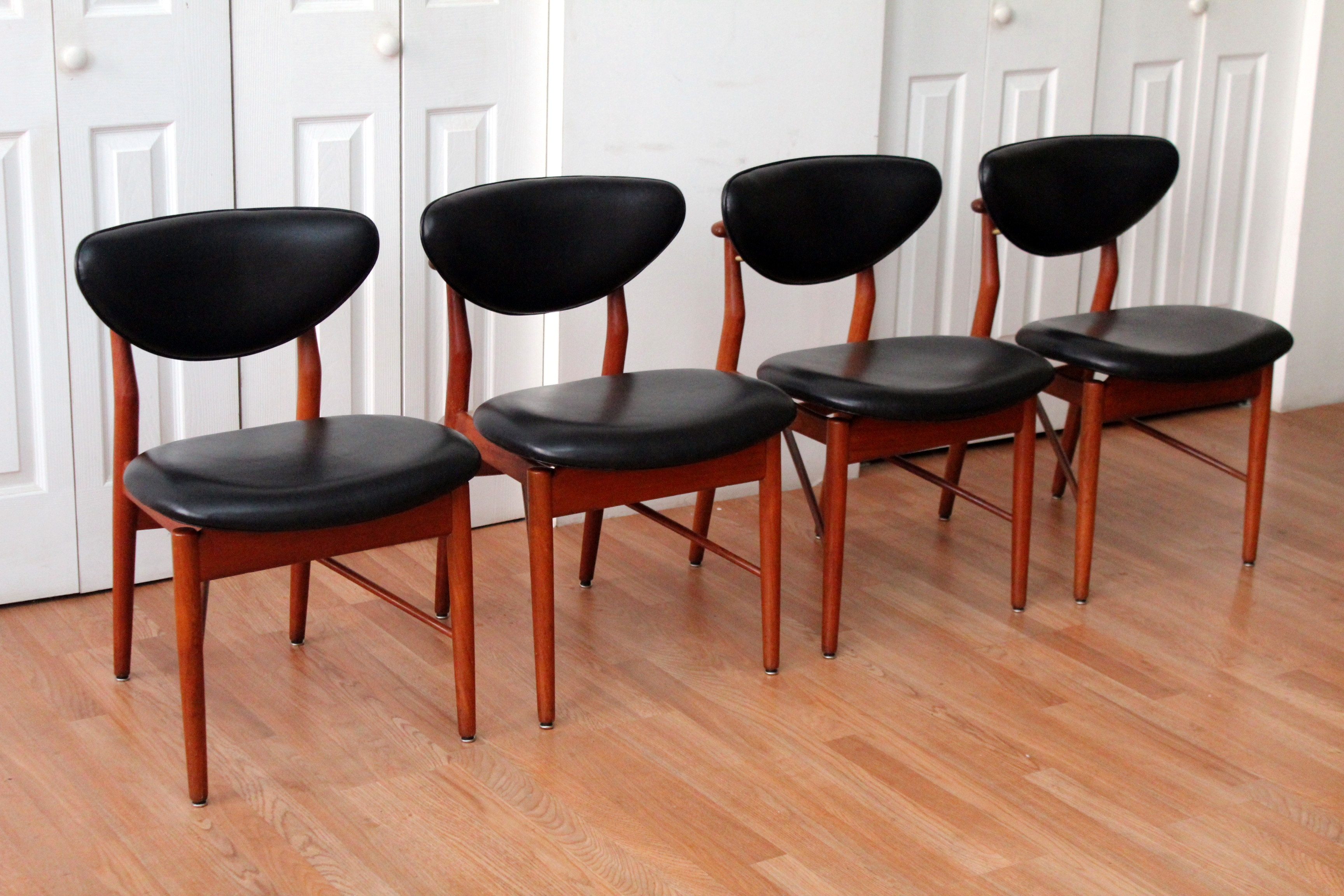 finn juhl 108 dining chairs an orange moon uber hip vintage furniture. Black Bedroom Furniture Sets. Home Design Ideas