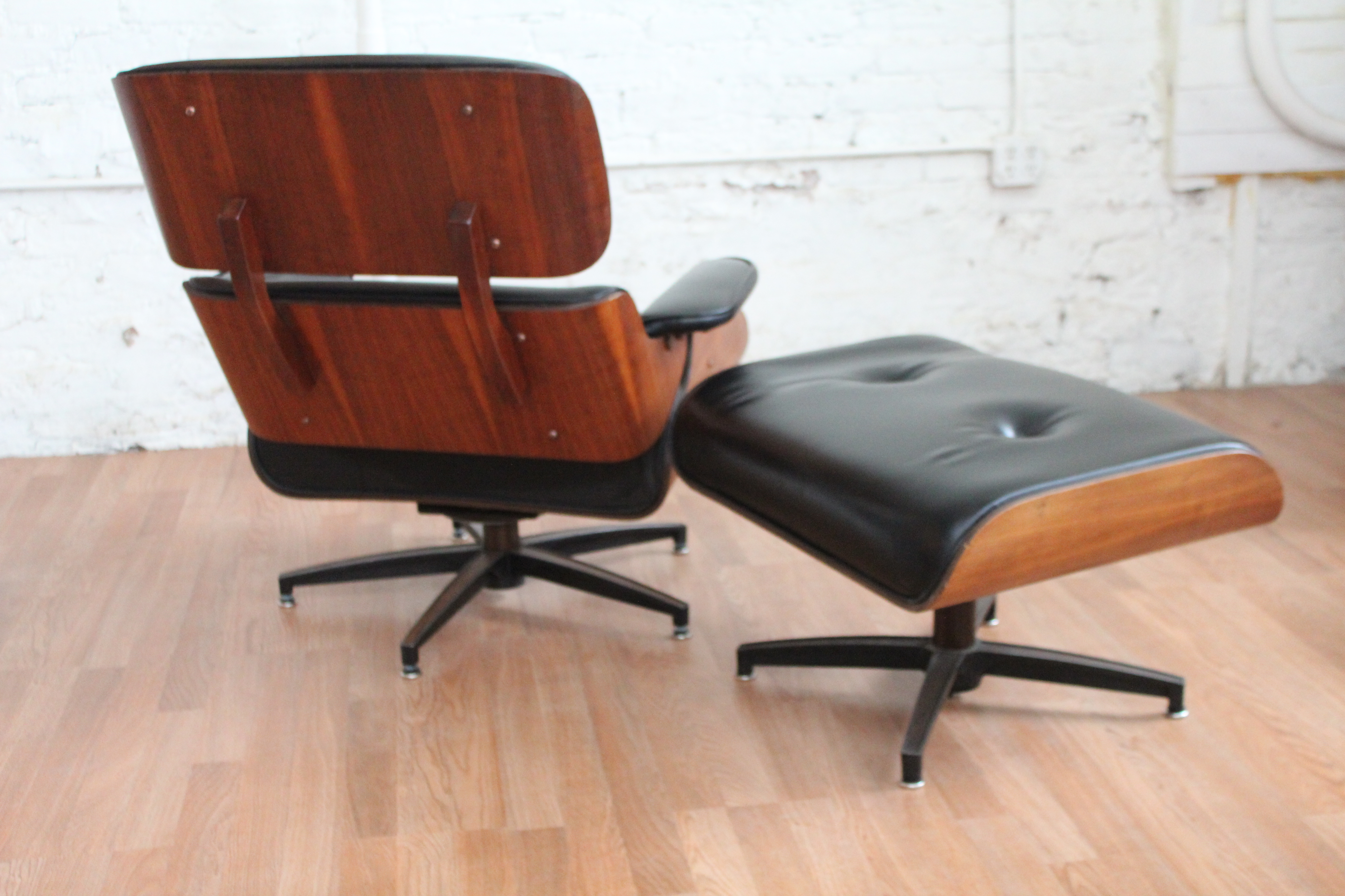 Mid Century Modern Charlton Lounge Chair And Ottoman An